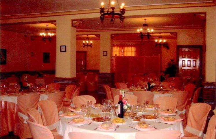 Salón preparado para una comunión.